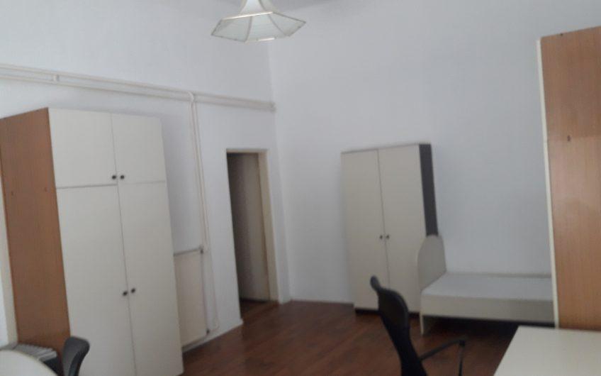 Oddam 1 posteljno sobo, Maribor center, 041 797 132