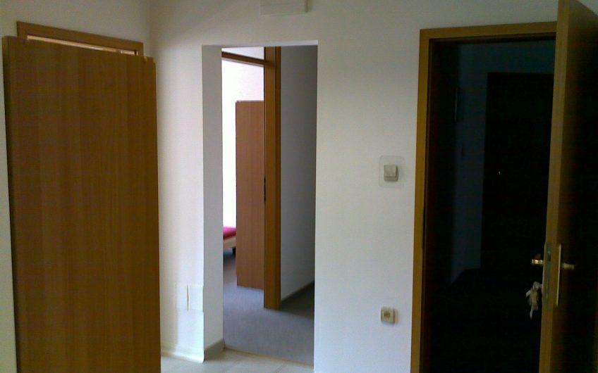 Enoposteljna soba