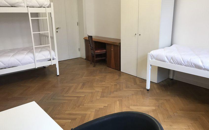 Troposteljne, svetle in prostorne sobe v centru Ljubljane